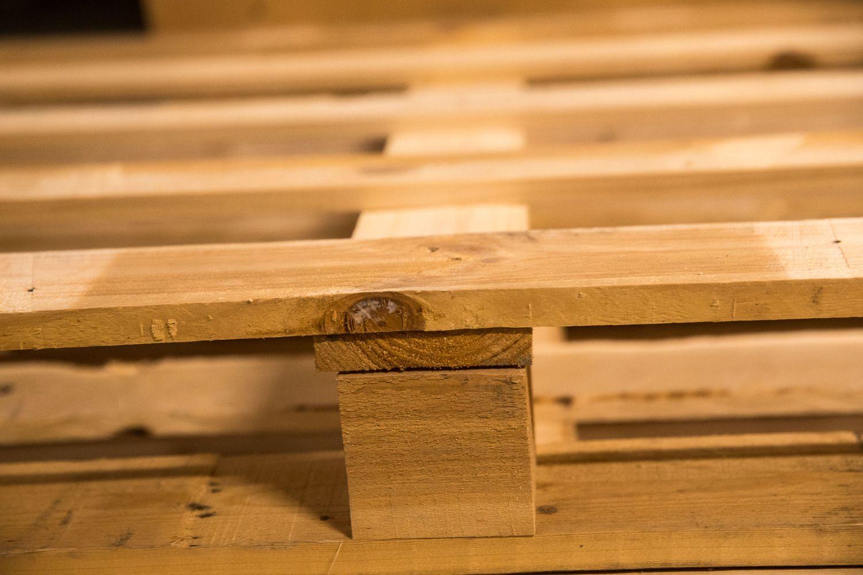 Neišbrendami miškai kelia medinių padėklų kainą