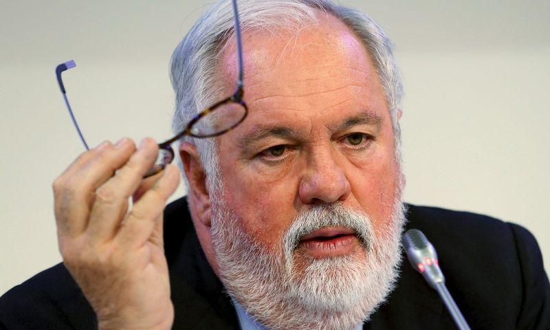 """Miguelis Arias Canete, Europos Komisijos narys klimato kaitai ir energetikai. Heinzo-Peterio Baderio (""""Reuters"""" / """"Scanpix"""") nuotr."""