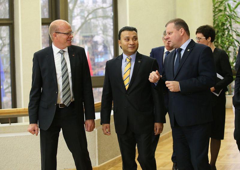 """Saulius Skvernelis susitiko su """"Continental"""" atstovais. Vladimiro Ivanovo (VŽ) nuotr."""
