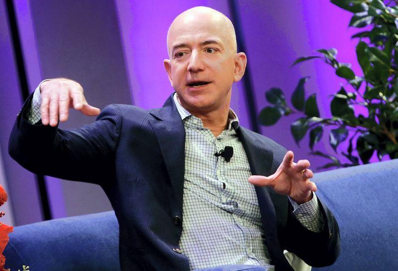 "Jeffas Bezos, ""Amazon"" vadovas. Mike Segar (""Reuters"") nuotr."