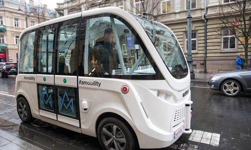 Vilniuje važinėjo pirmasis savivaldis automobilis