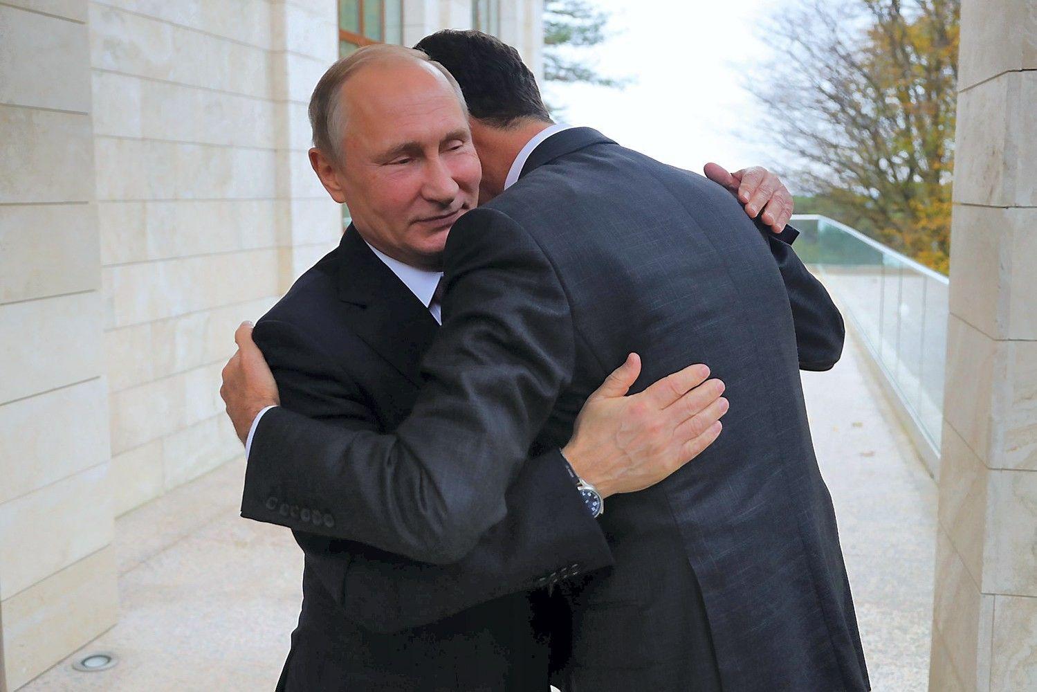 Assadas Sočyje susitiko su Putinu, liaupsino Rusijos indėlį