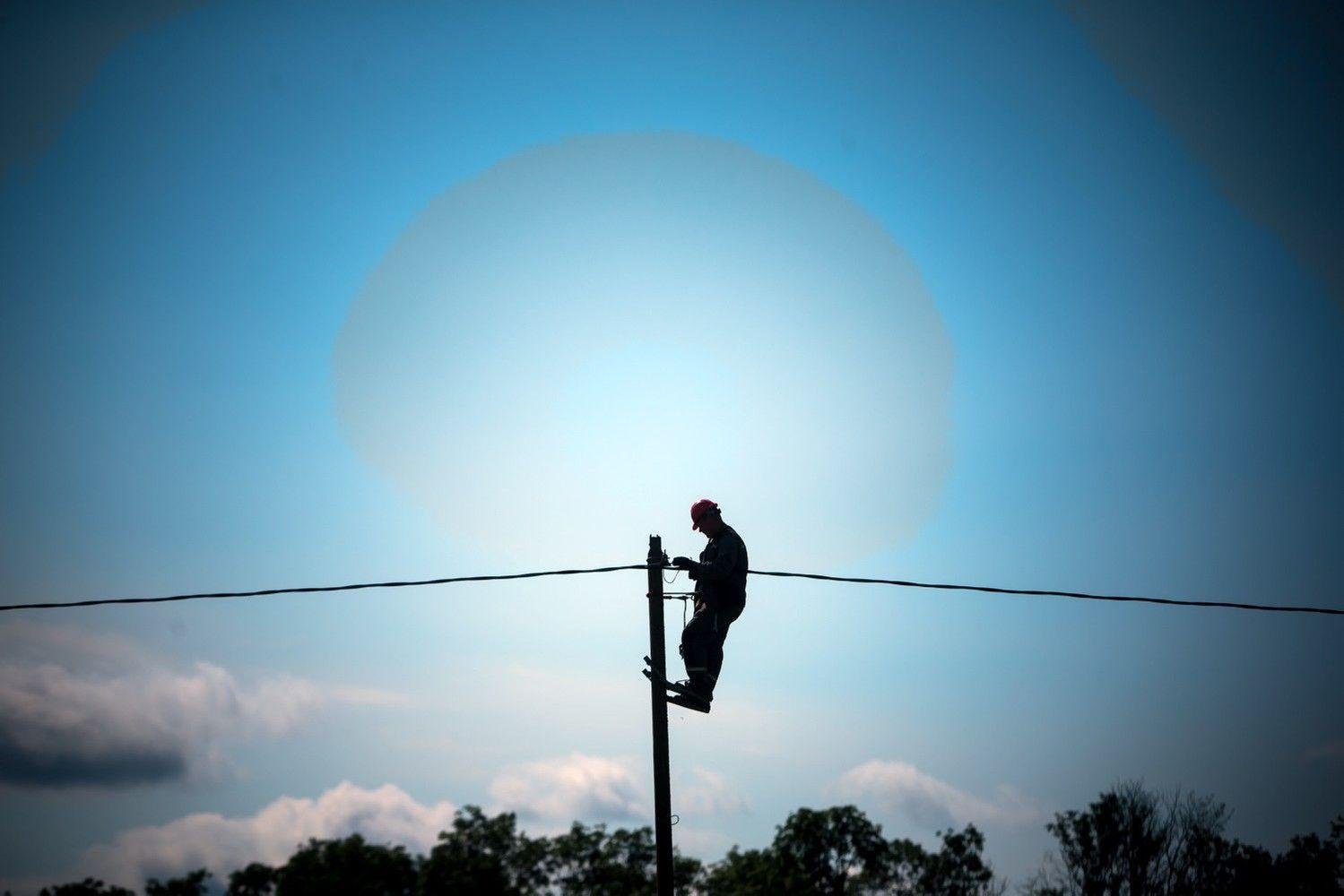 Nušvito viltis, kad už laiku neatstatytą elektros tiekimą ESO mokės kompensacijas