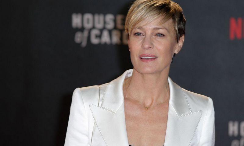 """""""House of Cards"""" paskutiniojo sezono centre – Claire Underwood, kurią įkūnija aktorė Robin Wright. Cyril Villemain (""""Sipa"""" / """"Scanpix"""") nuotr."""