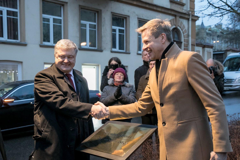Porošenka Vilniuje atidarė Ukrainos skverą