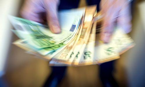 Pinigai – prekybai, statyboms ir gynybos sektoriui
