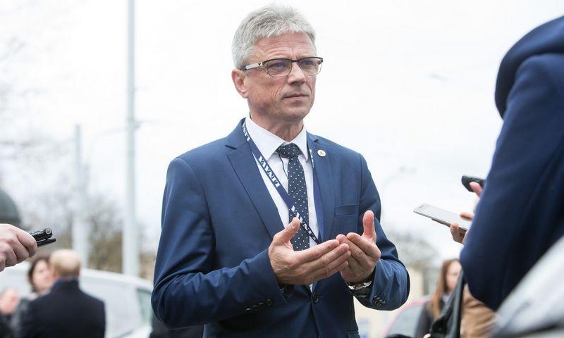 """Erlandas Mikėnas, vežėjų asociacijos """"Linava"""" prezidentas, teigia, kad itin stipri konkurencija Vakarų rinkose lemia nedidelį vežėjų veiklos pelningumą. Juditos Grigelytės (VŽ) nuotr."""