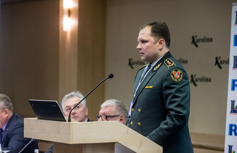 Eilių Baltarusijos pasienyje sprendimas stringa tarp ministerijų