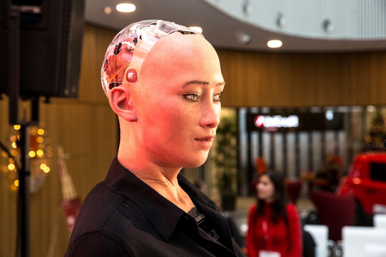 Vilniuje vieši Sofija – vienas žinomiausių robotų pasaulyje
