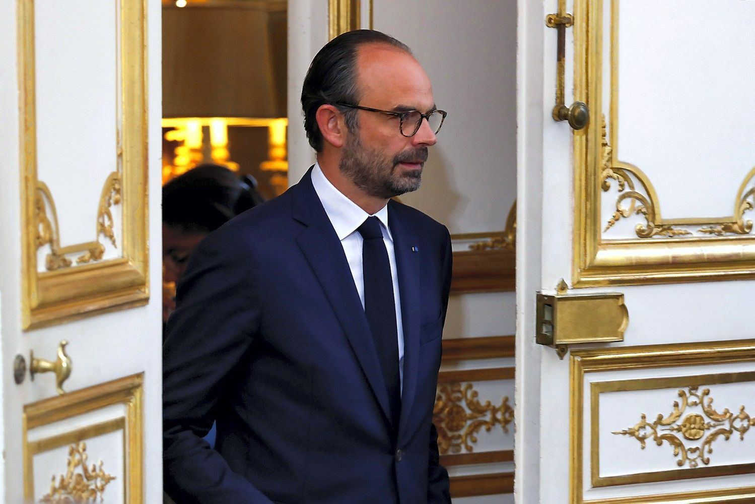 Prancūzijos premjeras teisinasi dėl 350.000 Eur kainavusios kelionės