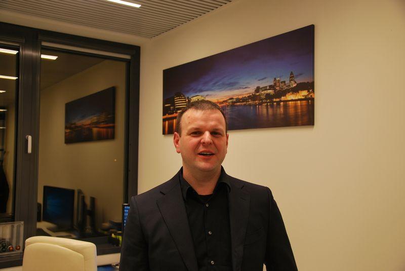 """Vidmantas Liutkauskas, Mobiliųjų sprendimų centro direktorius: """"Pavyko suvaldyti verslą, nes plėtrą vykdėme tolygiai. Buvo metų, kai augimas buvo matuojamas kartais, dabar jis kasmet siekia 20–30%."""" Vytauto Gaižausko (VŽ) nuotr."""