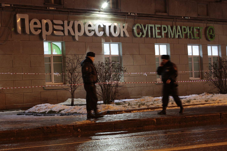 Putinas sprogimą Sankt Peterburge pavadino teroristiniu aktu