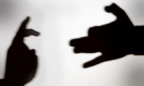 Tyrimas: šešėlyje slypi ketvirtadalis alkoholio ir cigarečių rinkos