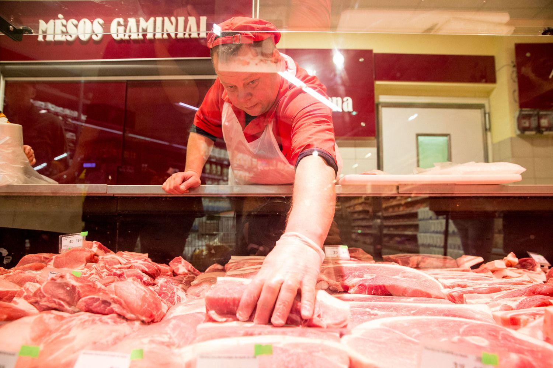 Nusitaikė į mėsą: svarsto didesnius mokesčius