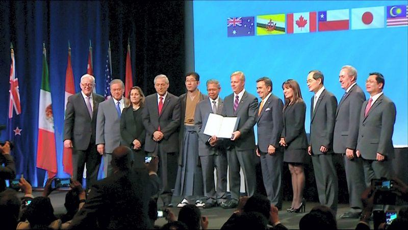 Sutarties pasirašymas 2016-aisiais Naujojoje Zelandijoje. New Zealand Pool / Reuters / Scanpix nuotr.