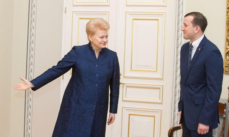 Apie planuojamą Turizmo departamento pertvarką naujasis ūkio ministras Virginijus Sinkevičius užsiminė gruodį susitikęs su jį ministru paskyrusia prezidente Dalia Grybauskaite. Juditos Grigelytės (VŽ) nuotr.