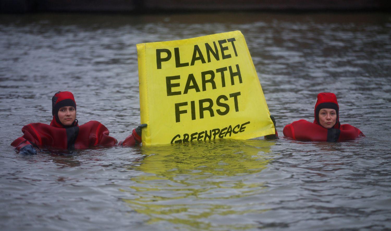 Norvegija įveikė aktyvistus, siekusius uždrausti naftos pramonę Arktyje