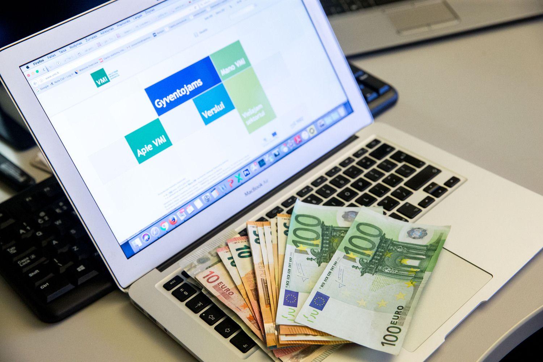 VMI laimikiai internete – nuo bitkoinų iki gintaro prekeivių