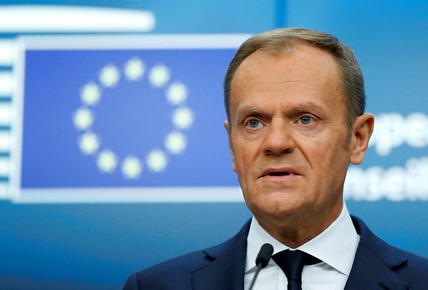 """Tuskas įspėjo dėl """"Polexit"""", jei Lenkija netektų ES paramos"""