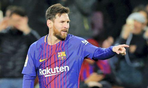 Messi tapo pirmuoju futbolininku, persezoną uždirbančiu virš 100 mln.