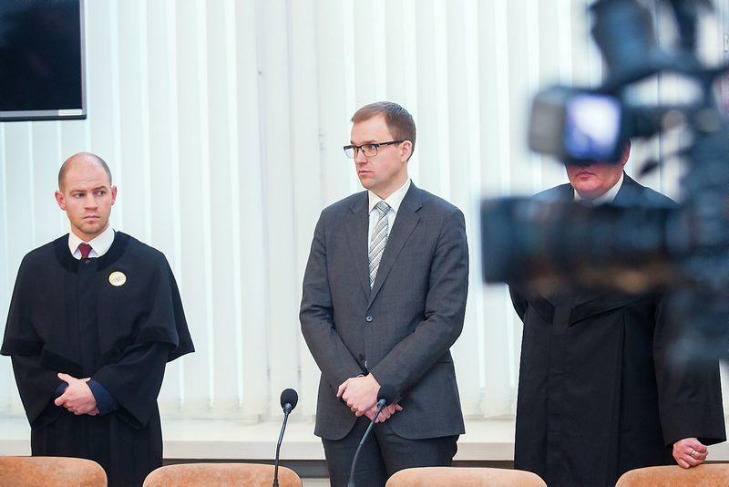 """Sprendimo paskelbimas Darbo partijos """"juodosios buhalterijos"""" byloje. Luko Balandžio (15min.lt / Scanpix) nuotr."""