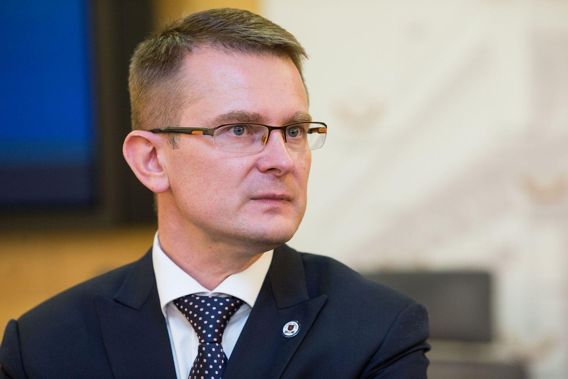 """Valstybės kontrolė patikrins viešuosius pirkimus, """"Rail Baltica"""" ir IAE"""