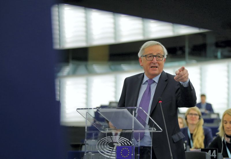 "Jeanas-Claude'as Junckeris. Vincento Kesslerio (""Reuters"" / ""Scanpix"") nuotr."
