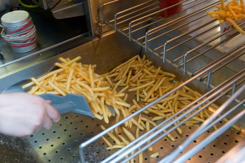 Gruzdintos bulvytės itin dažnai turi pernelyg didelį akrilamido kiekį. Juditos Grigelytės (VŽ) nuotr.