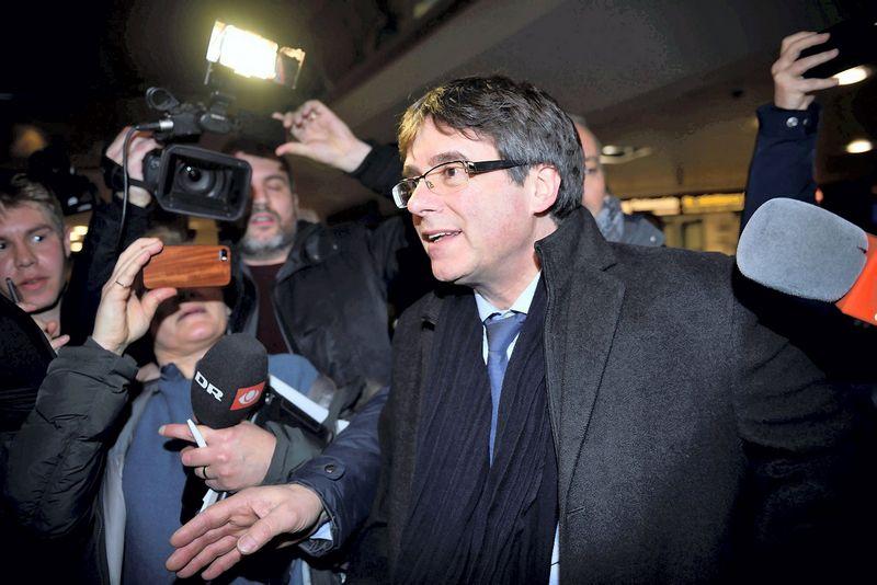 Carlesas Puigdemontas pirmadienį atvyko į Kopenhagą. Tariqo Mikkelio Khano (Reuters / Scanpix) nuotr.