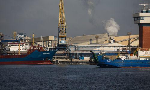"""Imlitex Holdings"" grūdus kraus Klaipėdoje"