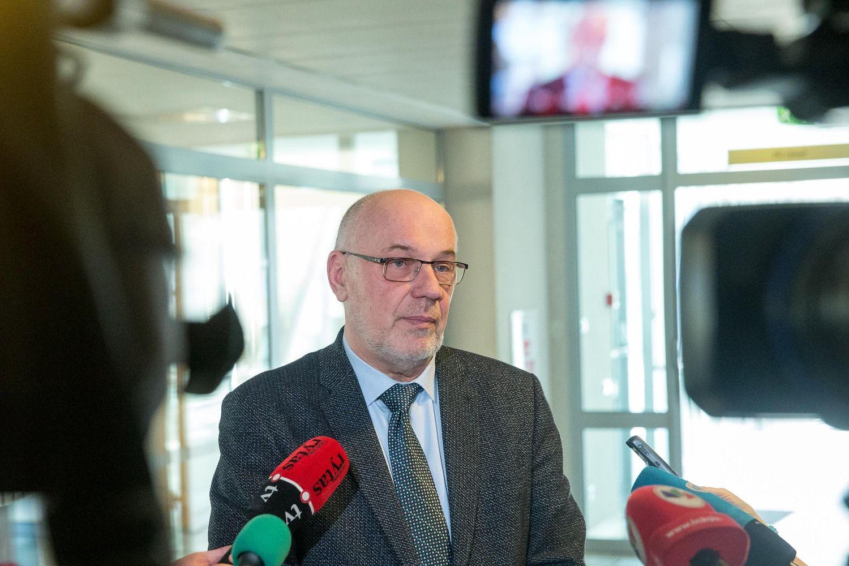 Romas Lazutka išeina iš ministro patarėjų