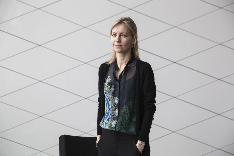 """Agnė Anzelienė, """"Swedbank"""" vyresnioji finansų maklerė. Vladimiro Ivanovo (VŽ) nuotr."""