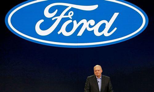 """""""Ford"""" pernai stipriai užsiaugino pelną, tačiau įmonės vadovai išlieka sunerimę"""