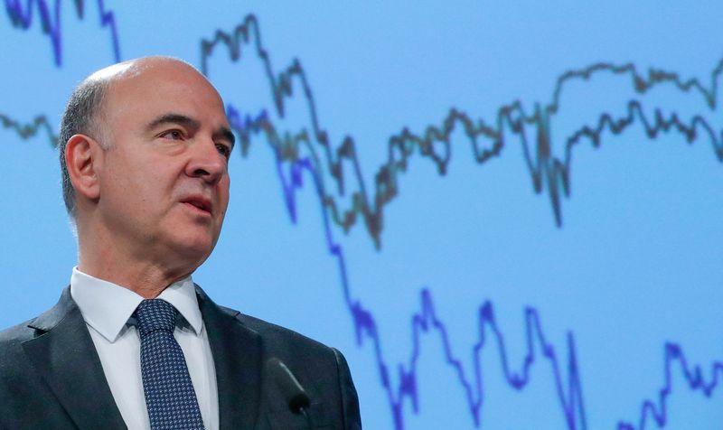 """Pierre Moscovici, už ekonomiką atsakingas EK narys. Yveso Hermano (""""Reuters"""" / """"Scanpix"""") nuotr."""