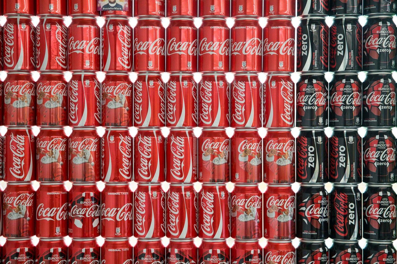 """""""Coca-Cola"""" apgynė savo teisę į šriftą"""