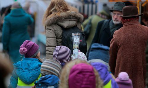 Lenkijos paramos šeimai politika stumia jaunas moteris iš darbo rinkos