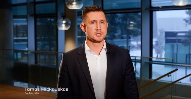 """Tomas Mičkauskas, vienas iš """"Bitcoinus"""" projekto iniciatorių. """"Youtube"""" nuotr."""