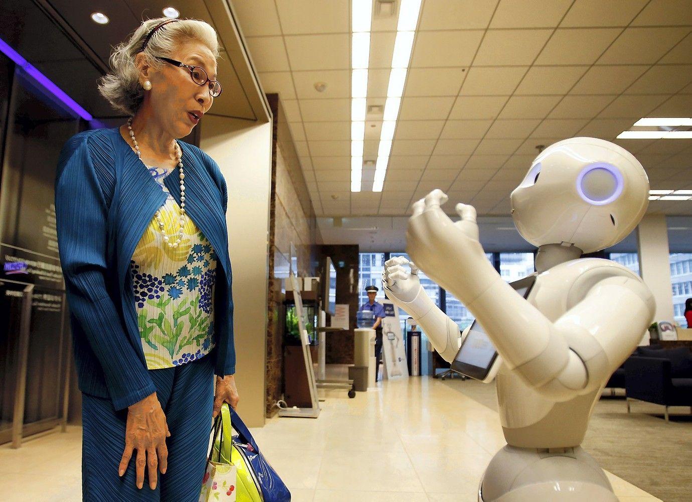 Iki 2020-ųjų robotai aptarnaus 80% Japonijos senjorų