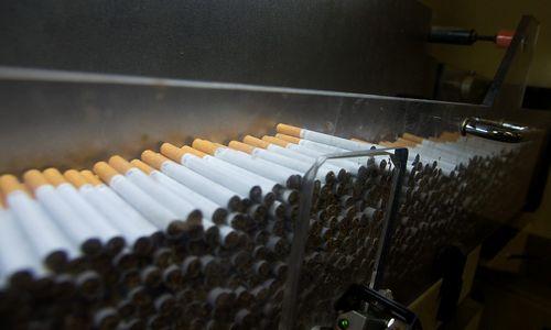Gamintojai kėlė naftos produktų ir tabako gaminių kainas