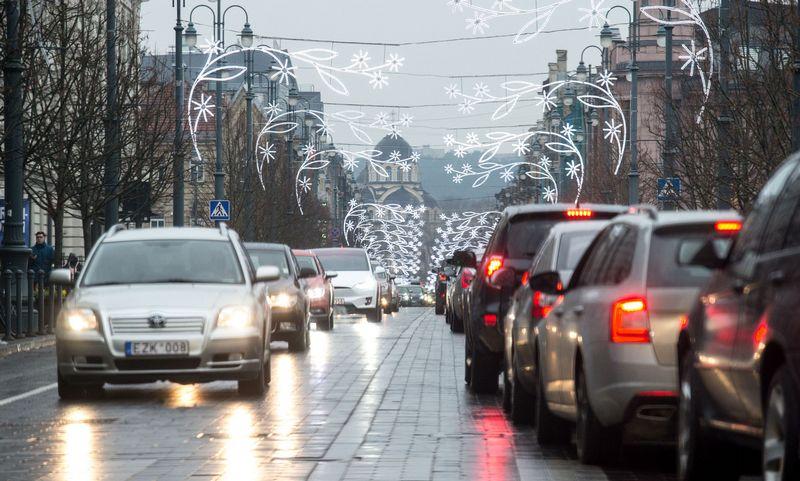 Sausio mėnesį Lietuvos naudotų automobilių parkas pasipildė 11.903 transporto priemonėmis. Juditos Grigelytės (VŽ) nuotr.