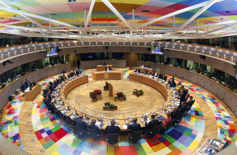 """Šioje Europos Vadovų tarybos posėdžių salėje Briuselyje susirinkę Europos Sąjungos lyderiai, išskyrus Jungtinės Karalystės vyriausybės vadovę, imsis diskutuoti dėl 2021-2027 m. biudžeto apimčių. Julien Warnand (""""Reuters"""") nuotr."""