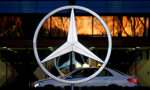 """""""Volvo"""" savininkė į krepšelį deda """"Daimler"""": investavo 7,3 mlrd. Eur"""