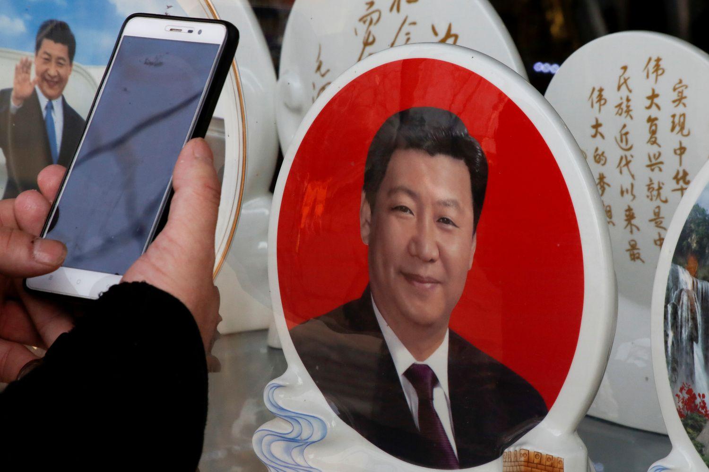 Kinijos politinius viražus rinkos įvertino teigiamai