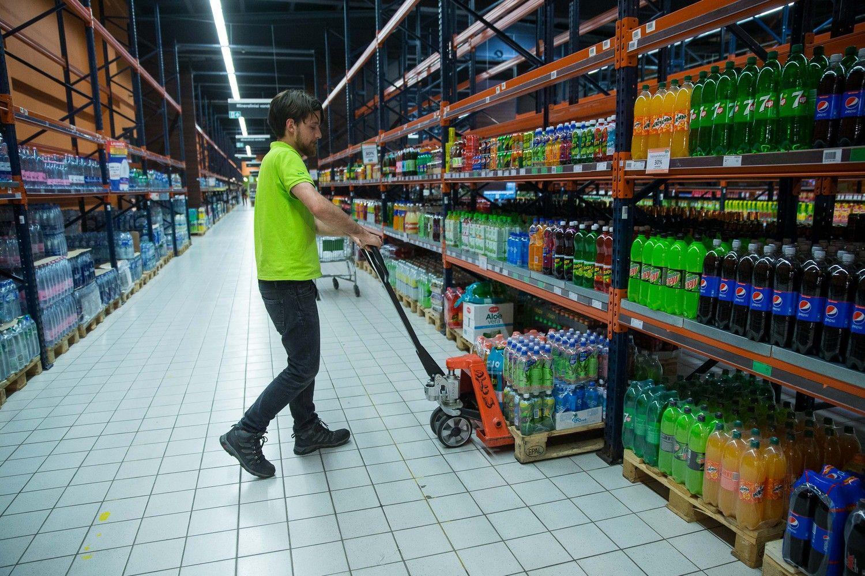 Prekybos alkoholiu ribojimai trumpina kai kuriųparduotuvių darbo laiką