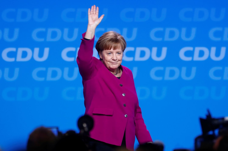 Vokietijos socialdemokratai palaimino koaliciją su Merkel