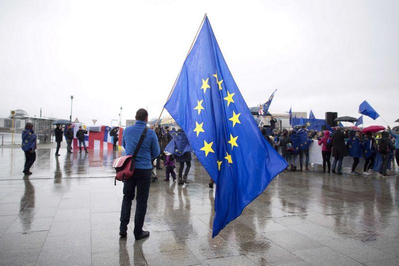 Europai derėtų stiprinti savo struktūrą ir identitetą, tačiau vis tam trukdo pasikartojantis politinis pasimetimas tai vienoje, tai kitoje ES valstybėje. Stefan Boness (Ipon/SIPA) nuotr.