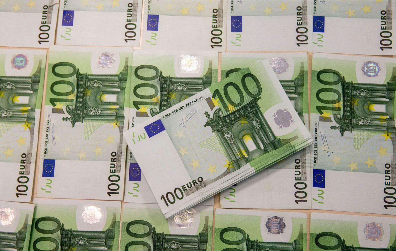 Lietuva BVP kuria su mažesniu darbo užmokesčiu nei ES