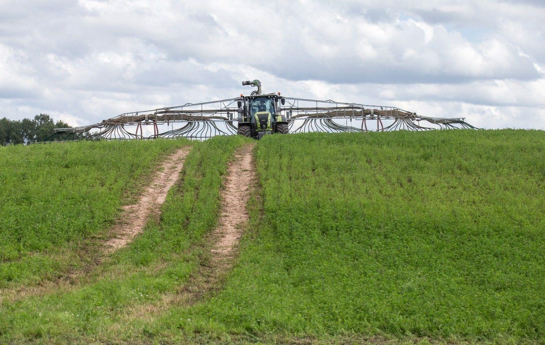 Seimas po pateikimo pritarė komisijai dėl padėties šaliesžemės ūkyje