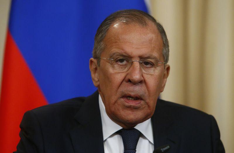 """Kaltinimus neigiantis Sergejus Lavrovas, Rusijos užsienio reikalų ministras, paskelbė apie atsakomuosius veiksmus. Sergejaus Karpuchino, """"Reuters"""" / """"Scanpix"""" nuotr."""