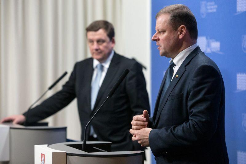 Po susitikimo Rolandas Valiūnas, Investuotojų forumo vadovas (nuotr. kairėje), ir premjeras Saulius Skvernelis papasakos, ką šiemet investuotojai aptarė su Vyriausybe. Vladimiro Ivanovo (VŽ) nuotr.